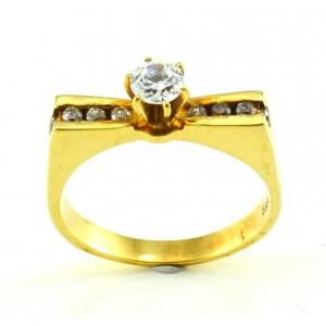 Χρυσό δαχτυλίδι μονόπετρο...